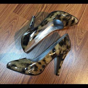 JESSICA SIMPSON Shiny Brown/Tan Leather Heels S8.5
